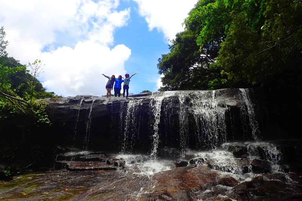 唯一無二の絶景!沖縄県西表島の滝を裏から見れちゃうサンガラの滝は初心者にもおすすめ!トレッキングやカヤックで遊ぼう!