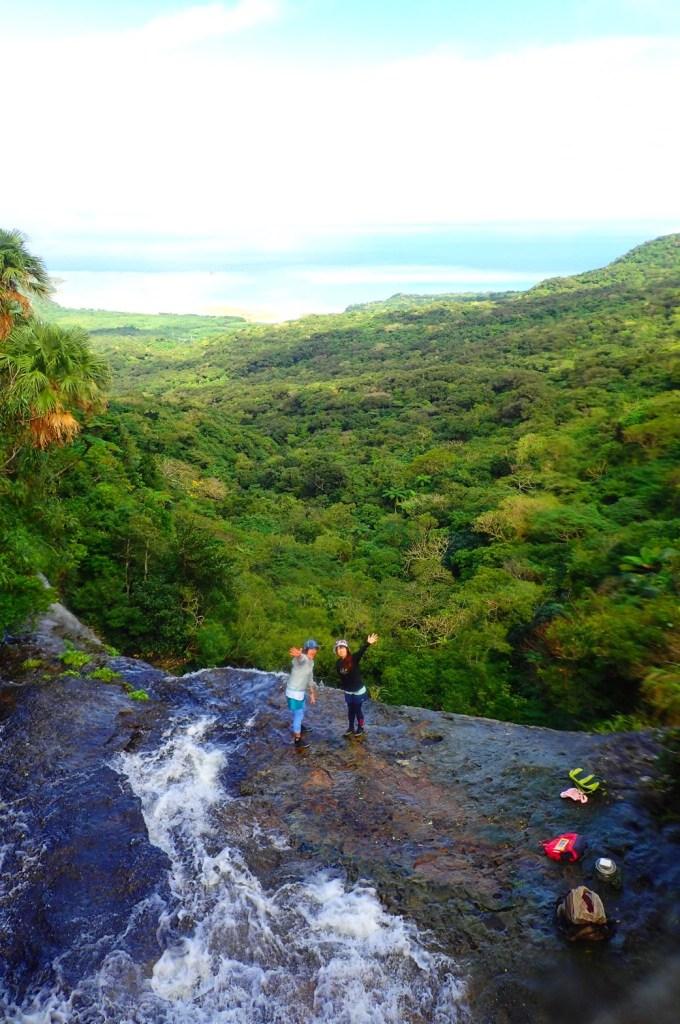 沖縄県で眺望バツグン!西表島にトレッキングツアーに行くならユツンの滝に行っとくべき!観光におすすめ!