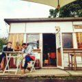 西表島で朝食モーニングならここがおすすめ!民宿 うえはら館の敷地内「西表の少年」に行ってみてね。