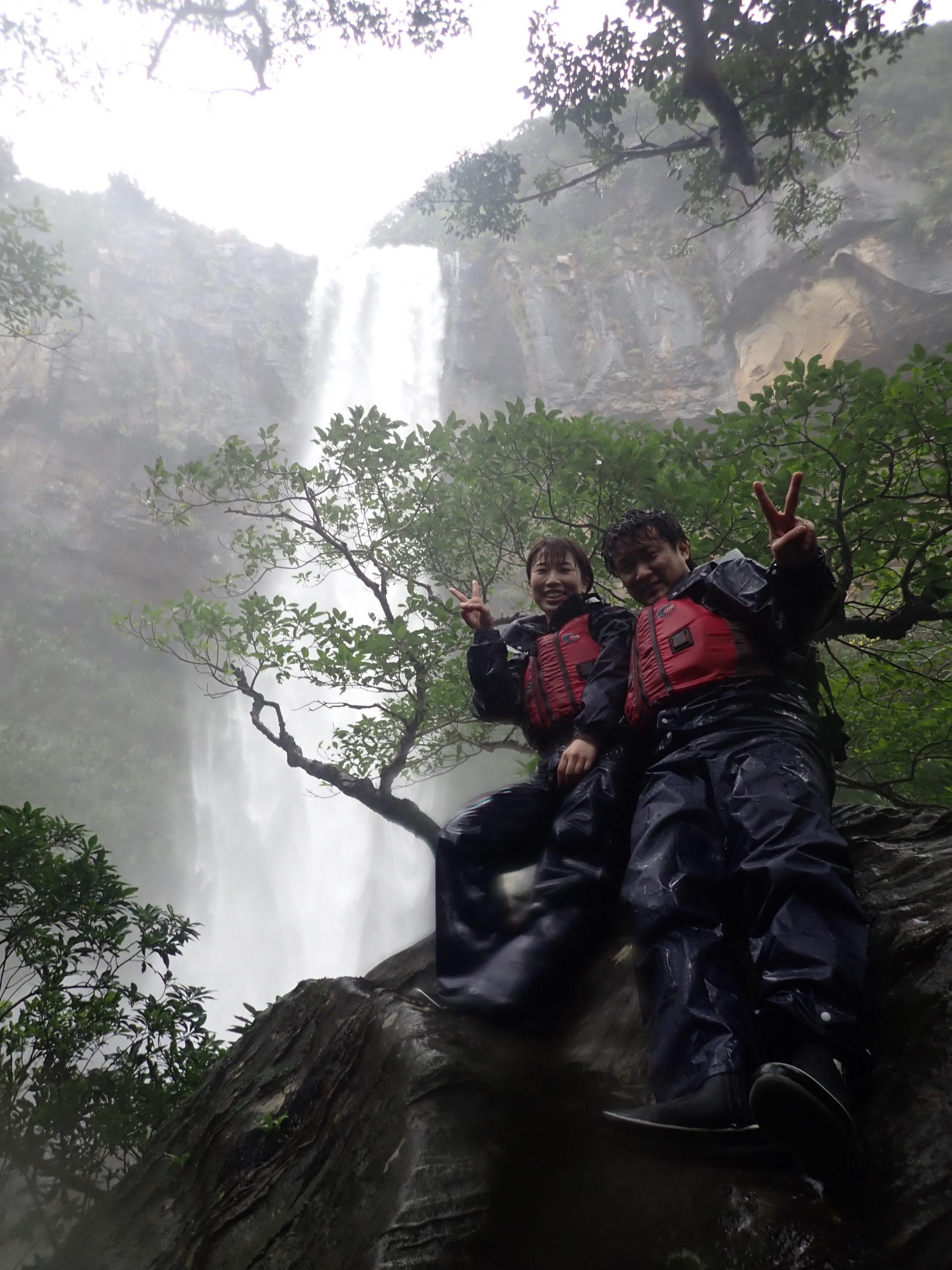 雨も悪いことばかりじゃない!大瀑布ピナイサーラの滝とジャングルカヌー