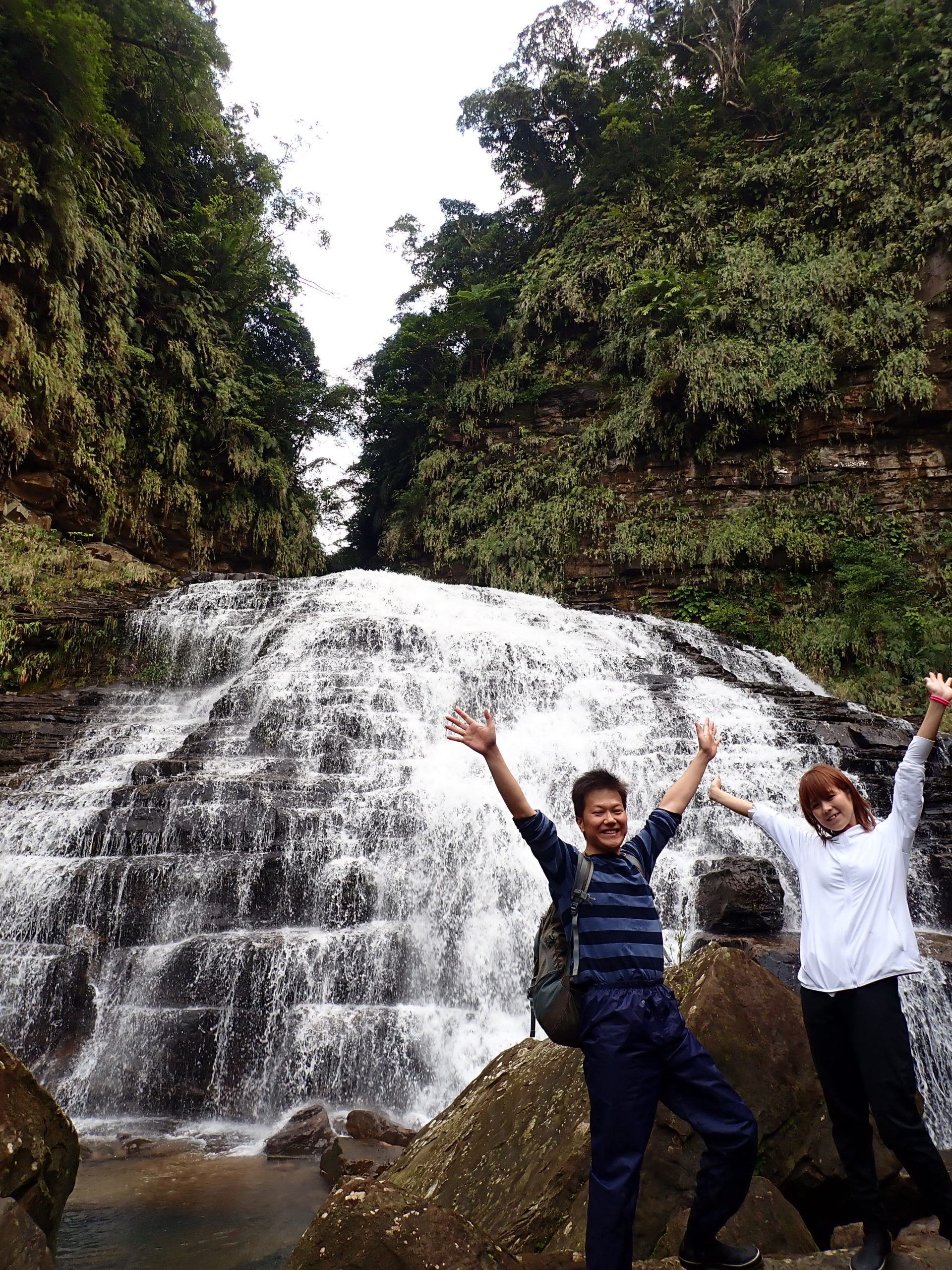 西表島で一番人気の観光スポット「マヤグスクの滝」ツアー