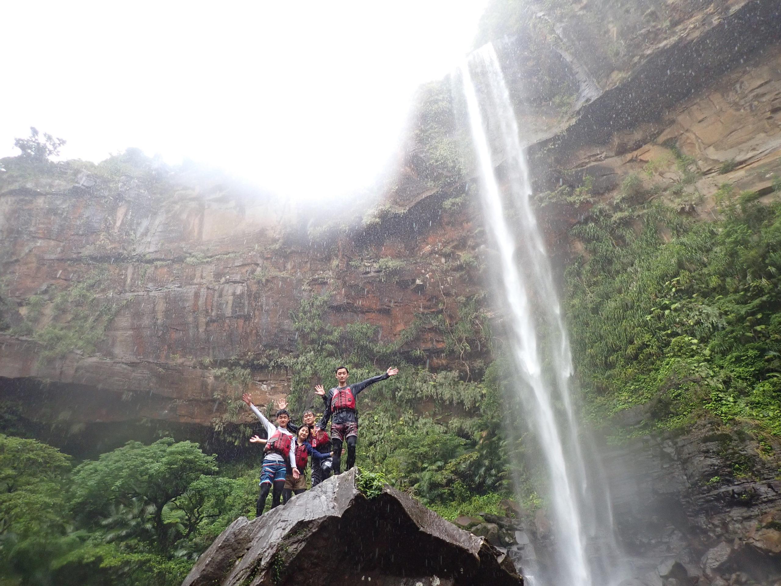 家族で西表島を満喫!ピナイサーラの滝カヌー&由布島ツアー