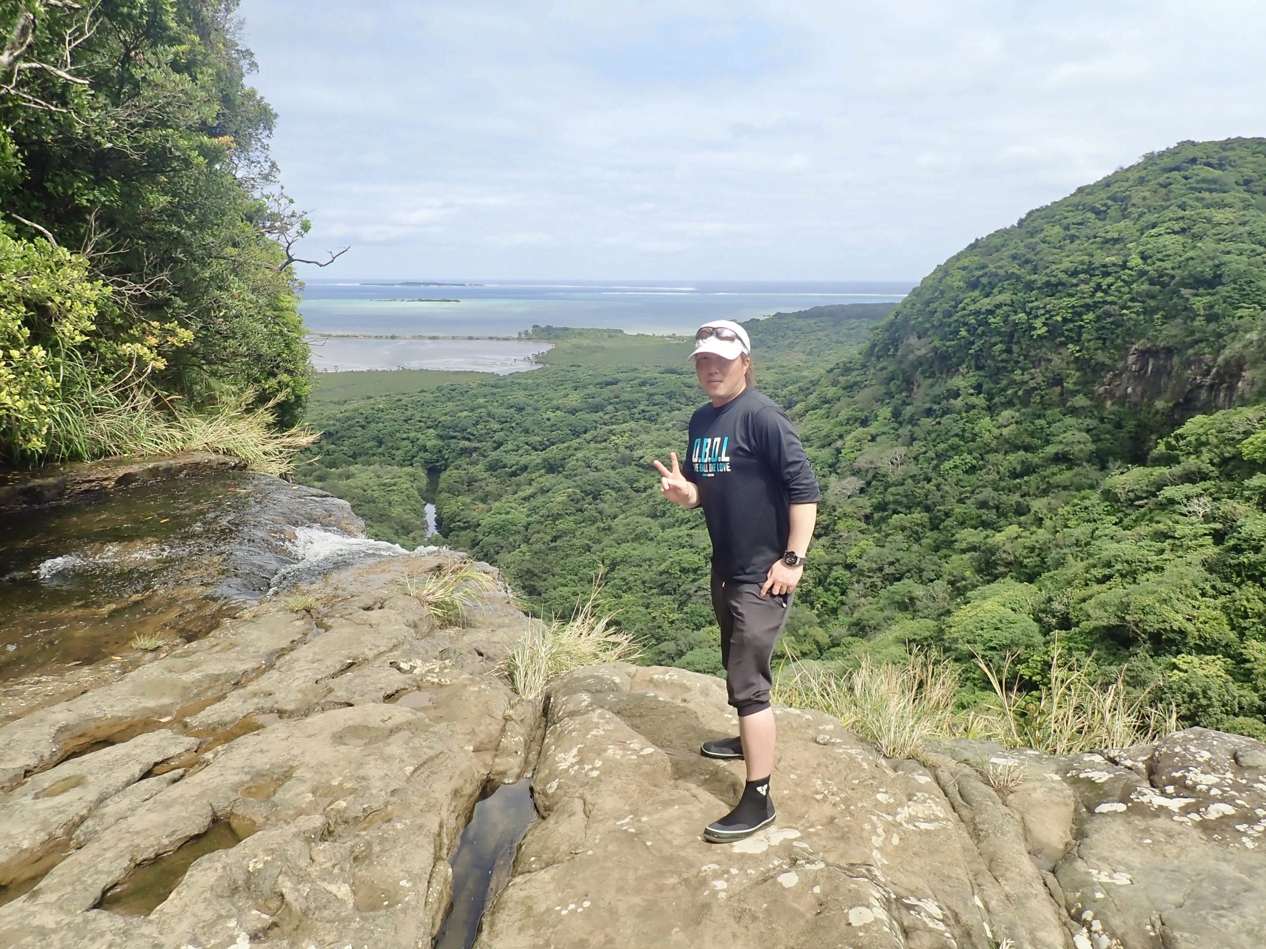 西表島に来たなら絶景を楽しめるピナイサーラの滝上に行こう!