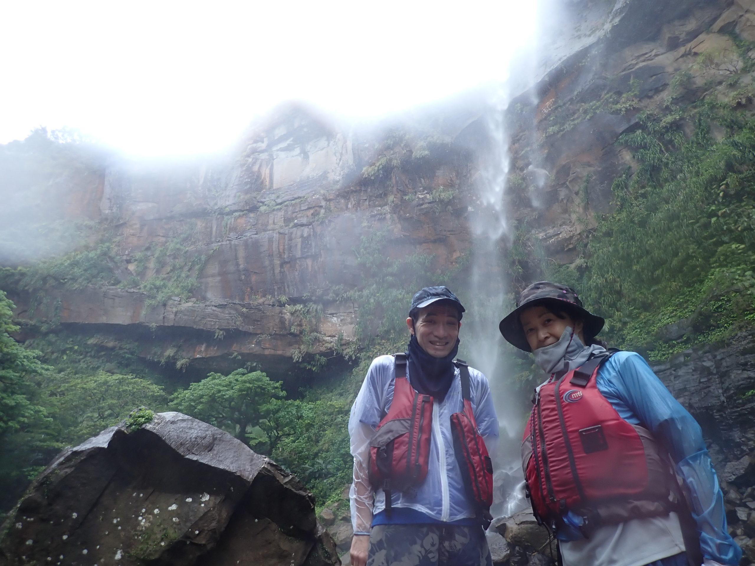 冬が戻ってきた!?これぞジャングル 西表島 ピナイサーラの滝カヌーツアー