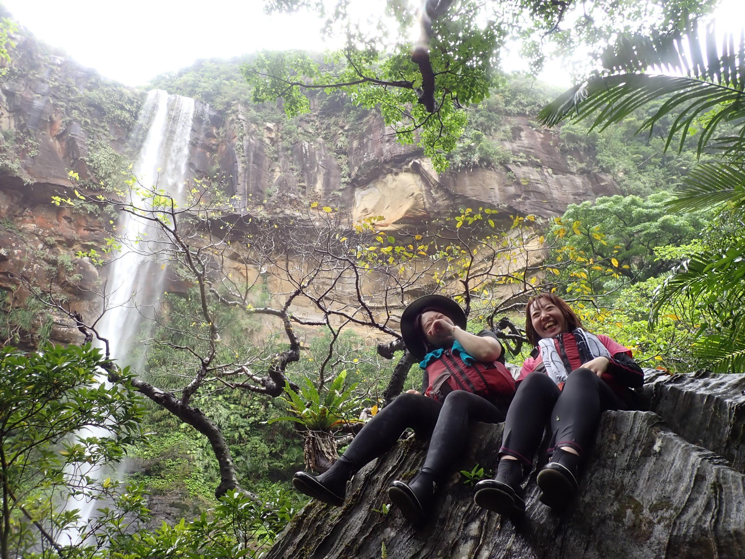 楽しいかどうかは自分達次第!お天気なんて関係なし!西表島ピナイサーラの滝カヌーツアー