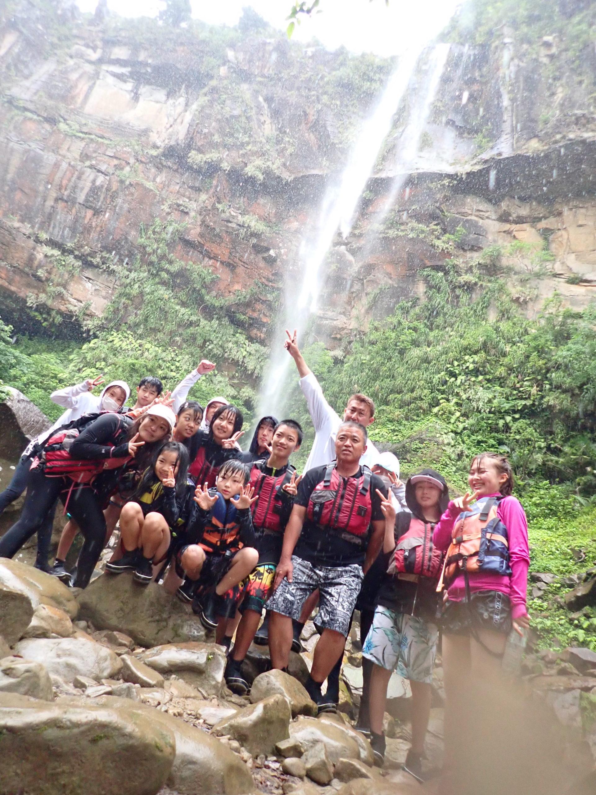 にぎやか御一行とピナイサーラの滝カヌー&由布島ツアー!