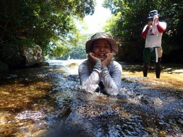 水遊びが最高に気持ちいいね(^^) 西表島 ピナイサーラの滝カヌーツアー