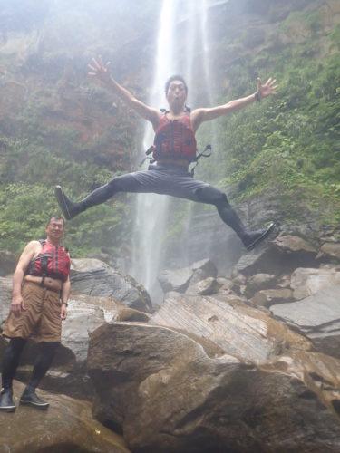 雨予報をぶっとばせ!ピナイサーラの滝1日ツアー