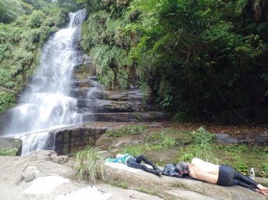 秘境の滝で大人の夏休み  西表島 ナーラの滝カヌーツアー